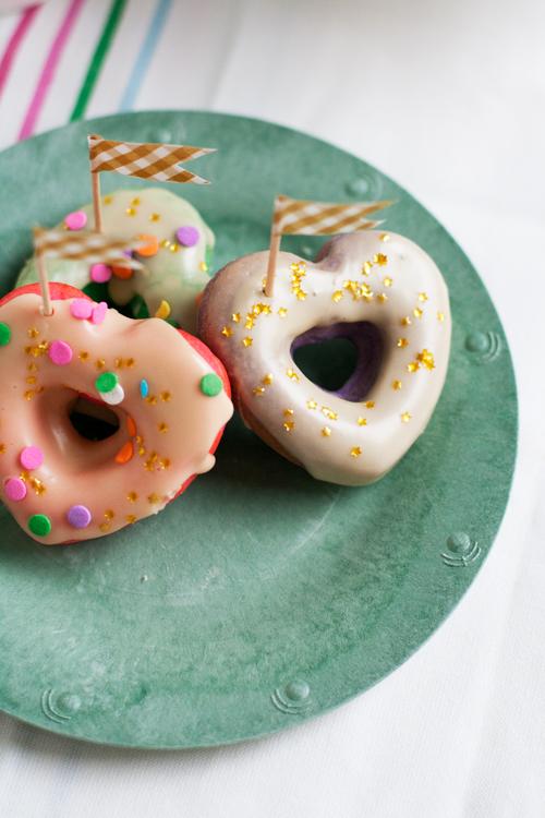 Rainbow_Donuts