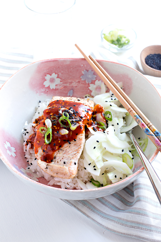 Simple Salmon Bibimbap | hungrygirlporvida.com